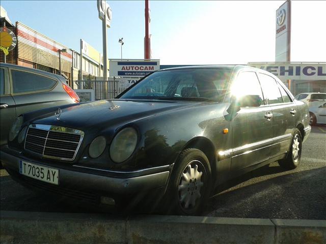 MERCEDES-BENZ CLASE E E 300 Diesel